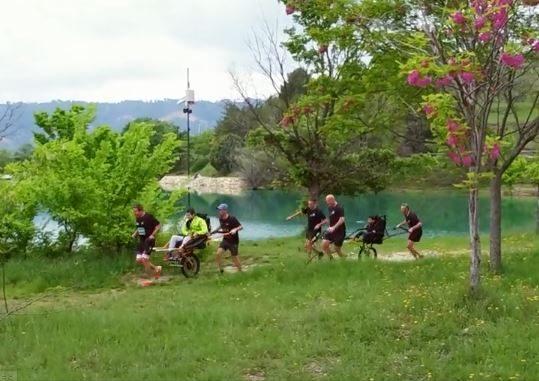 Deux pères font participer leurs fils dans leur défi : le triathlon Natureman du Var